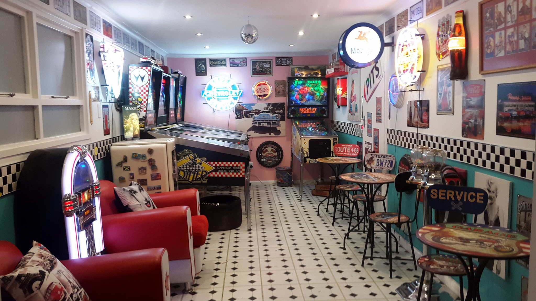 Game room of the week this week in pinball for My new room 4 decor games
